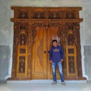 pintu-gebyok-minimalis-ukir-1