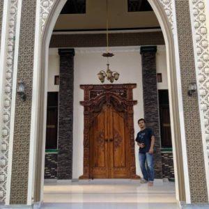 pintu-gebyok-ukir-gapura